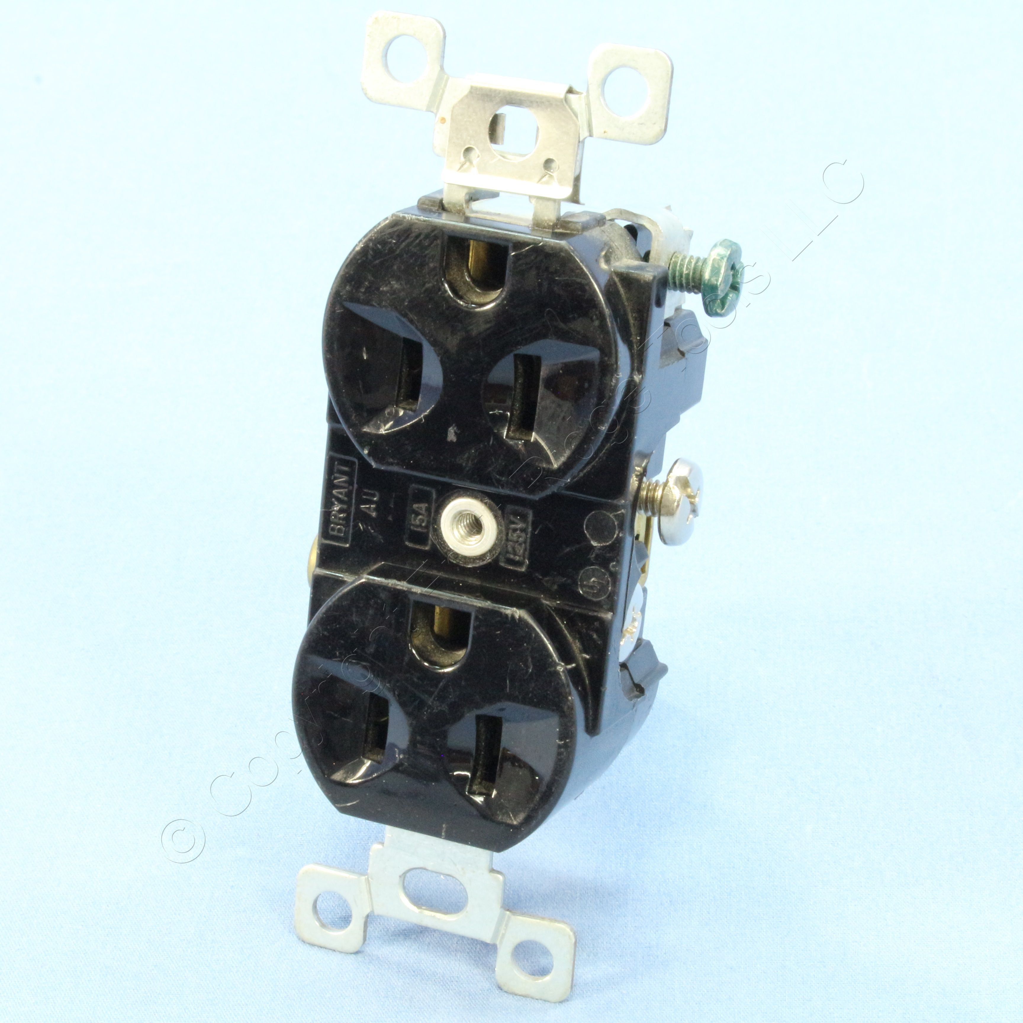 HUBBELL BLACK RECEPTACLE OUTLET 15A 125V