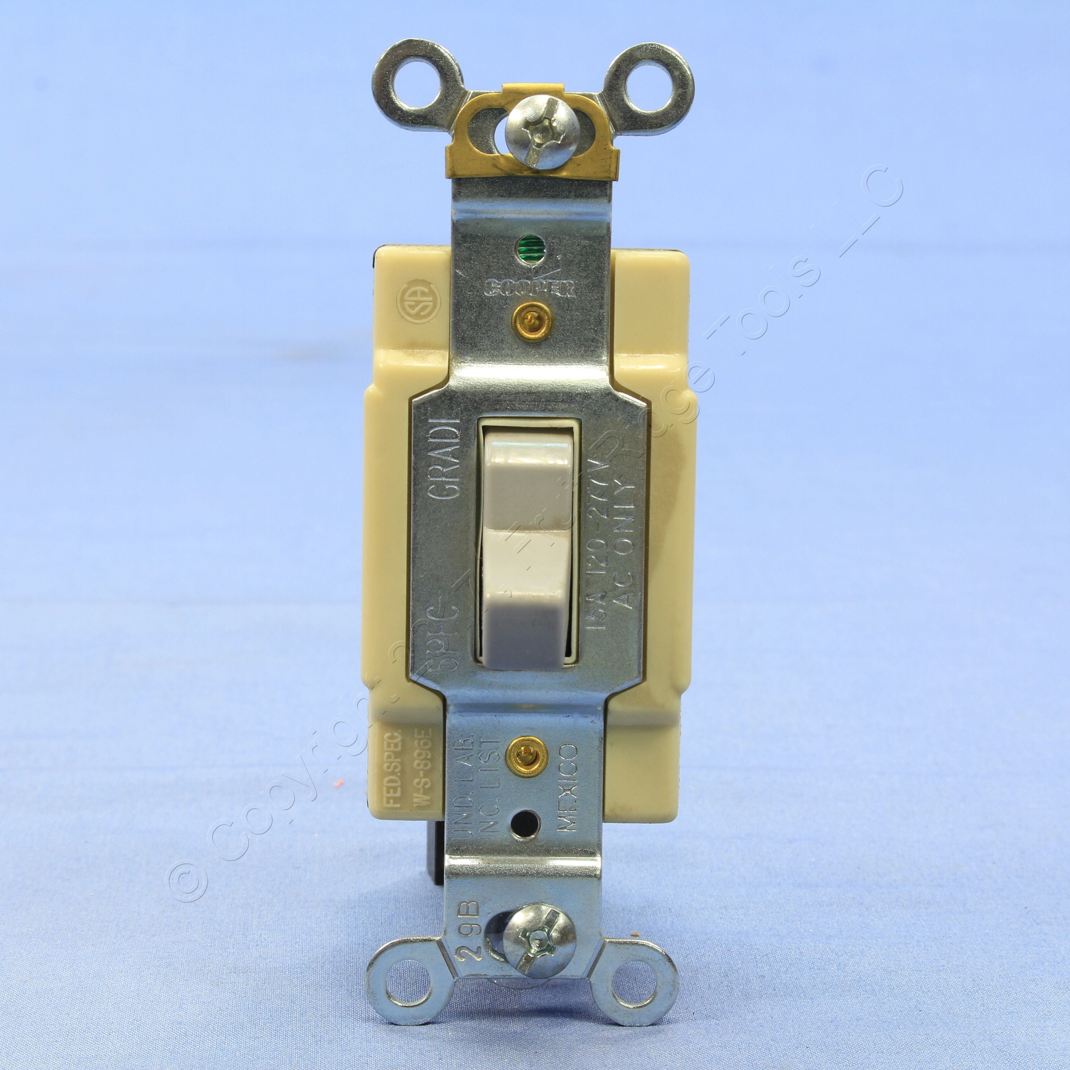 Cooper Wiring Devices 15 Amp Gray 4 Way Light Switch Cs415gy Bu Ebay What Is A Commercial Toggle Wall 15a 120 277v Bulk