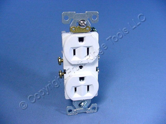 Eagle White SCRATCHED COMMERCIAL Straight Blade Outlet NEMA 5-15 15A ...