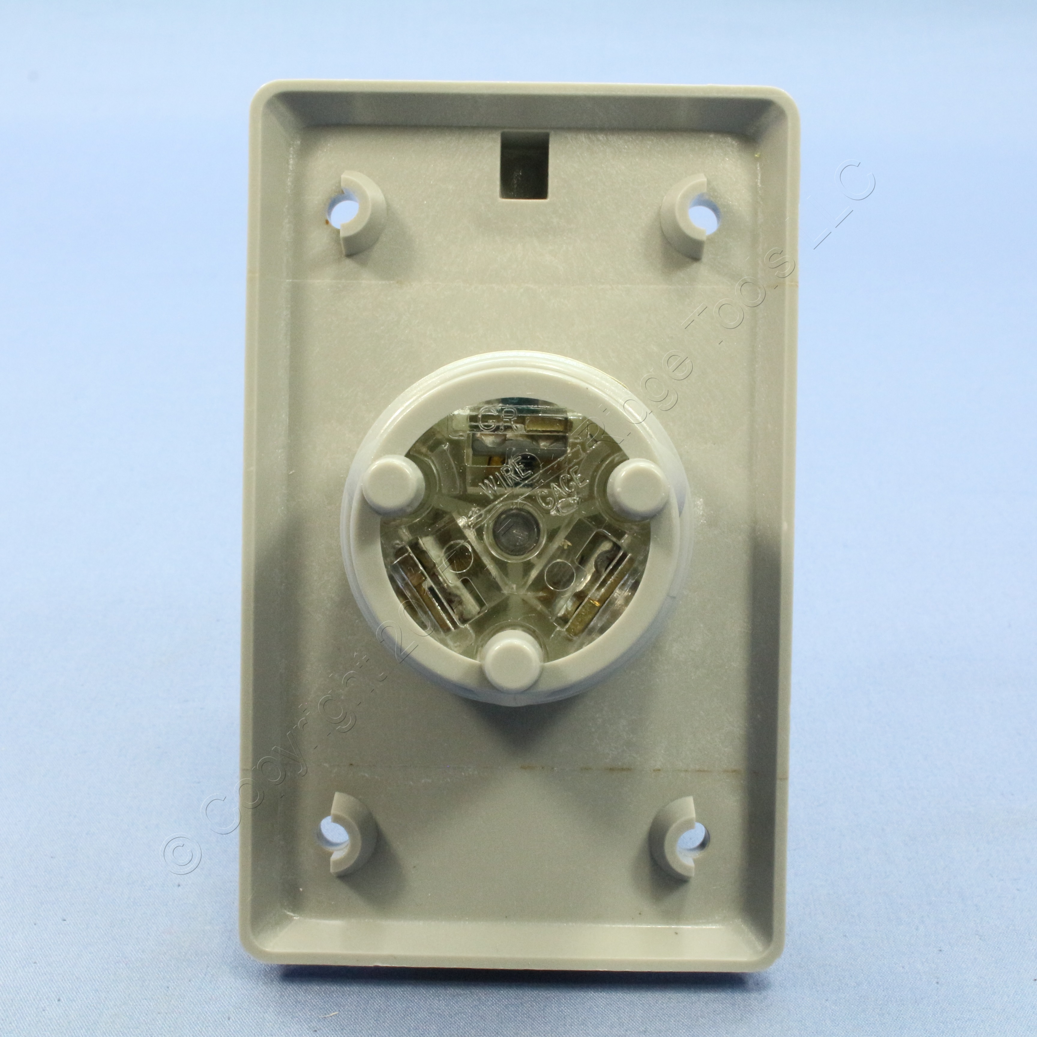 Buy Leviton L5-15 Weather Resistant Cover Locking Flanged Inlet Plug ...