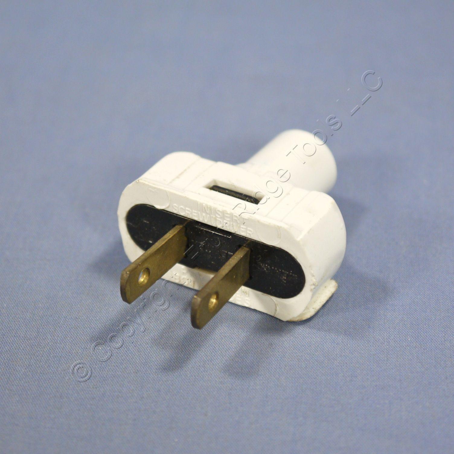 Leviton White Residential Straight Blade Easy Grip Plug 1